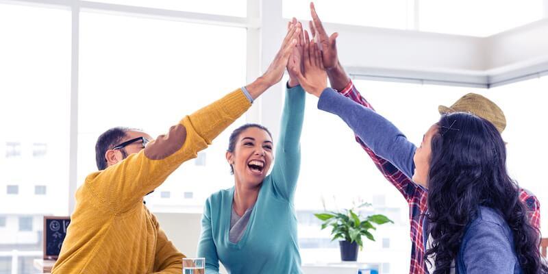 ۱۰ راه حل برای شاد ماندن در محل کار